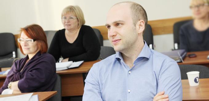Менеджер склада повышение квалификации г.тольятти билетыпо правилам дорожного движения предупреждающие знаки